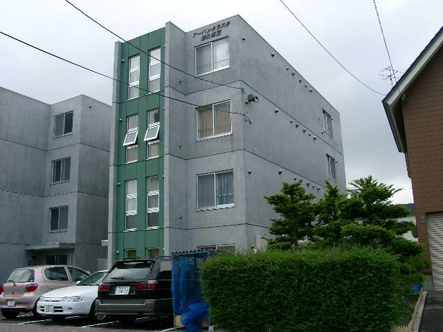 北海道札幌市厚別区、新札幌駅徒歩5分の築15年 4階建の賃貸マンション