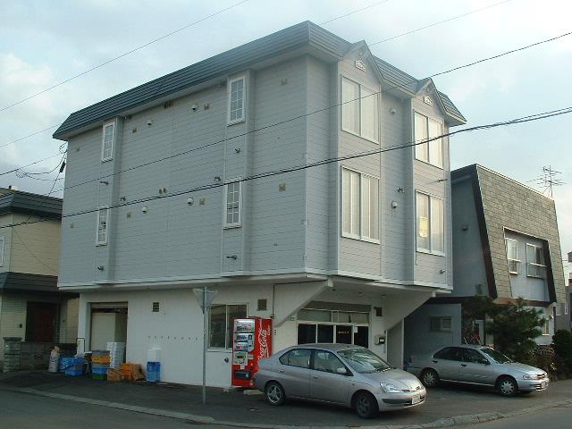 北海道札幌市白石区、平和駅徒歩13分の築27年 3階建の賃貸アパート