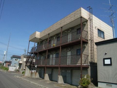 北海道北広島市、北広島駅中央バスバス25分大曲下車後徒歩4分の築31年 2階建の賃貸アパート