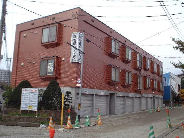 北海道札幌市豊平区、福住駅徒歩5分の築19年 3階建の賃貸アパート