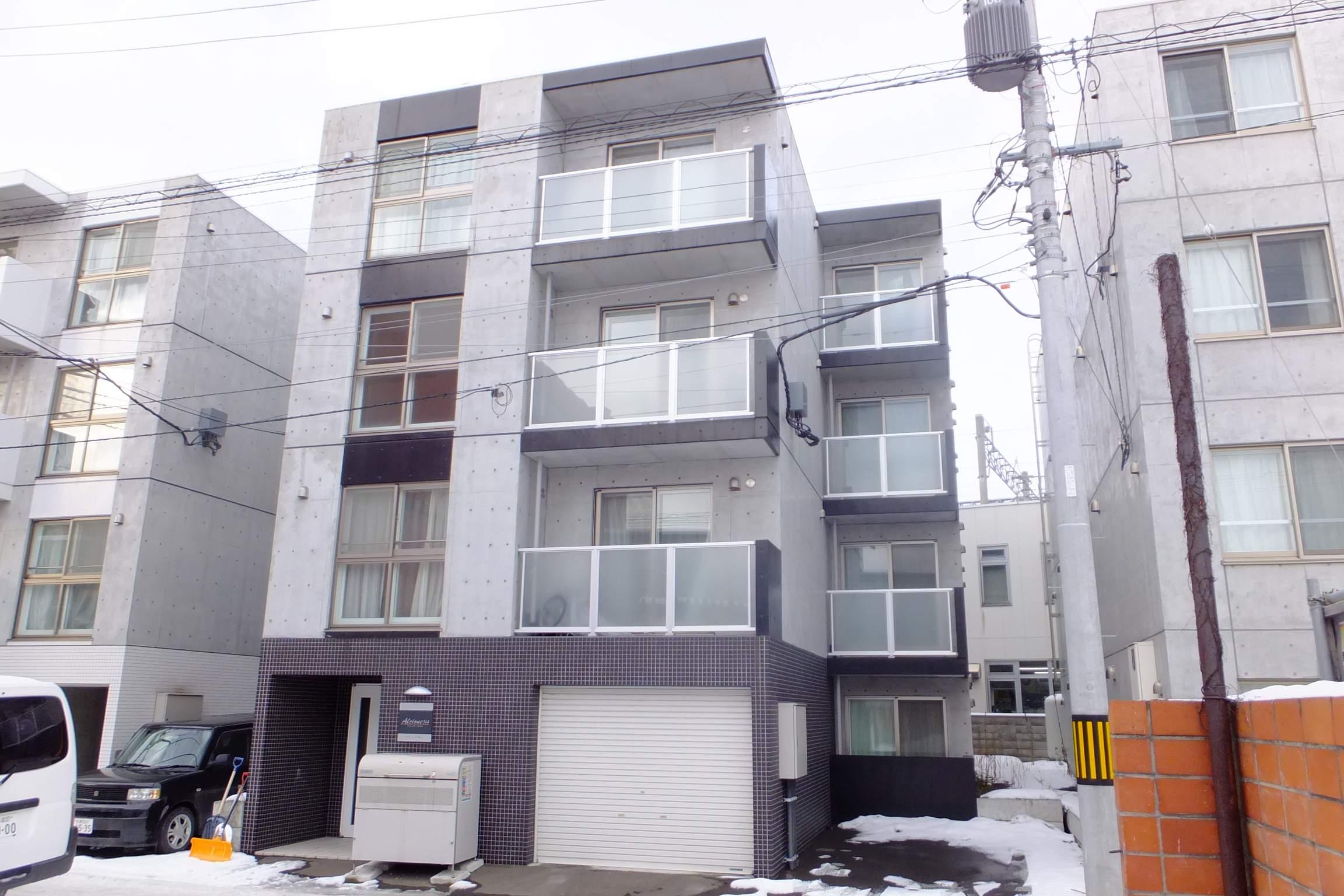 北海道札幌市中央区、札幌駅徒歩11分の築5年 4階建の賃貸マンション