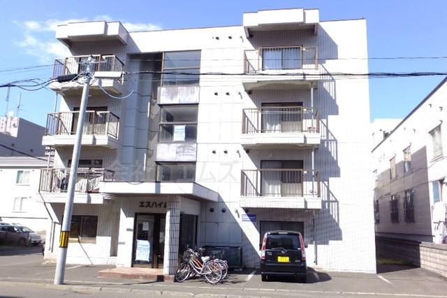 北海道札幌市白石区、菊水駅徒歩14分の築27年 4階建の賃貸マンション