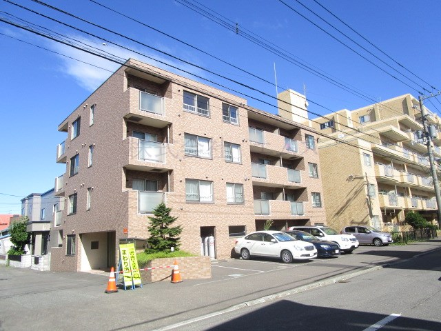 北海道札幌市白石区、東札幌駅徒歩12分の築11年 4階建の賃貸マンション