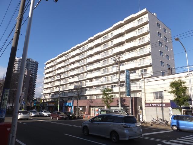 北海道札幌市白石区、菊水駅徒歩14分の築41年 9階建の賃貸マンション