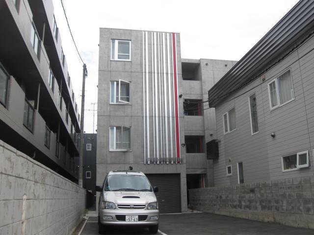 北海道札幌市白石区、菊水駅徒歩4分の築8年 4階建の賃貸マンション