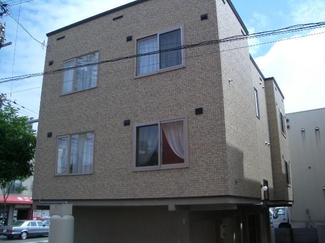 北海道札幌市白石区、苗穂駅徒歩20分の築12年 3階建の賃貸アパート