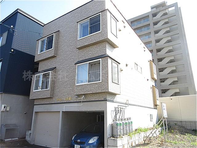 北海道札幌市白石区、苗穂駅徒歩18分の築11年 3階建の賃貸アパート
