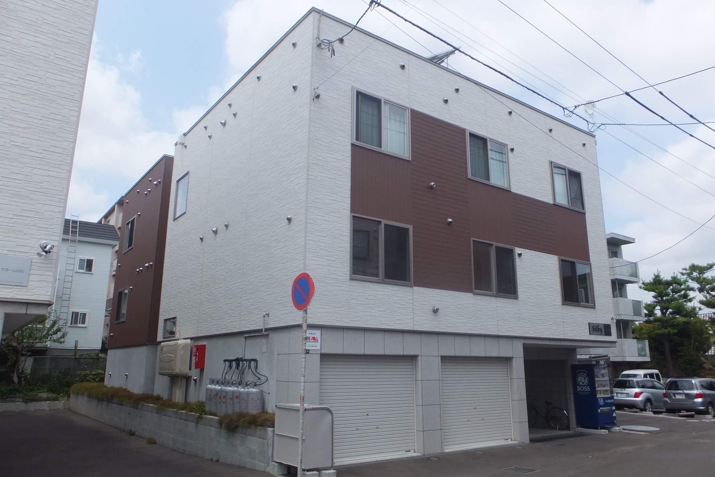 北海道札幌市白石区、白石駅徒歩24分の築5年 3階建の賃貸アパート