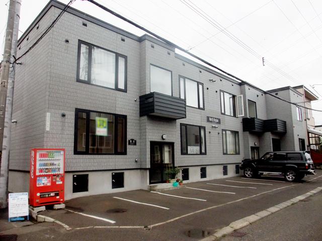 北海道札幌市白石区、白石駅徒歩15分の築13年 2階建の賃貸アパート