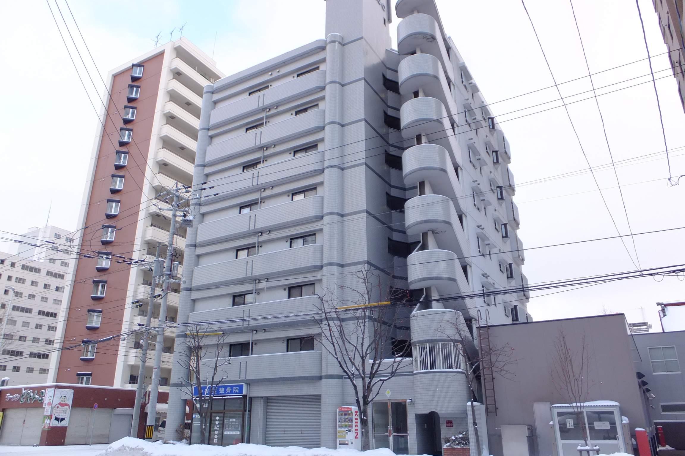 北海道札幌市中央区、バスセンター前駅徒歩3分の築27年 8階建の賃貸マンション