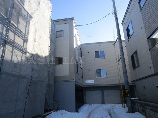 北海道札幌市白石区、菊水駅徒歩30分の新築 3階建の賃貸アパート