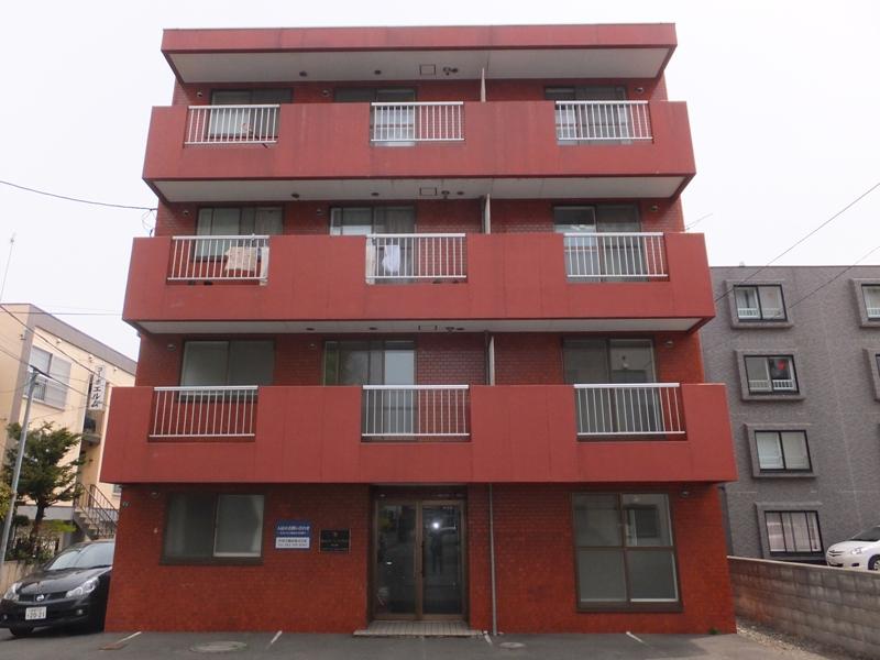 北海道札幌市白石区、菊水駅徒歩20分の築28年 4階建の賃貸マンション