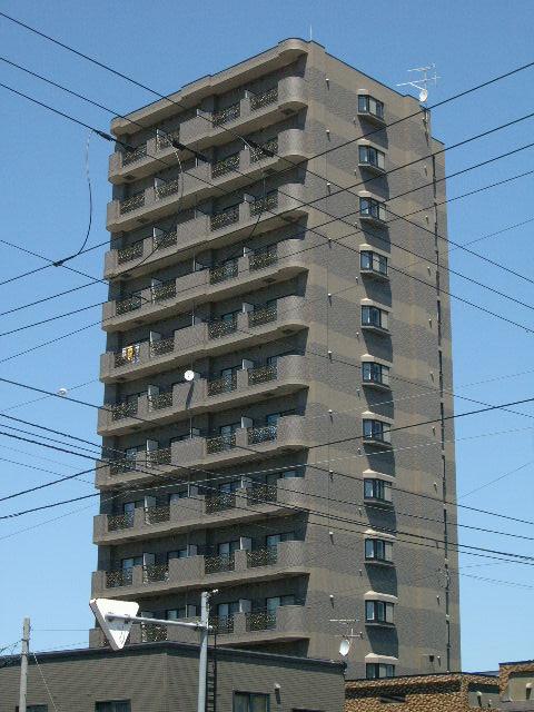 北海道札幌市白石区、白石駅徒歩19分の築9年 15階建の賃貸マンション