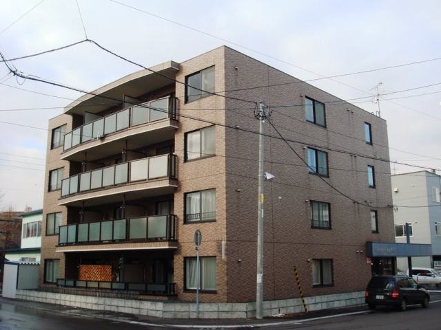 北海道札幌市豊平区、平岸駅徒歩17分の築16年 4階建の賃貸マンション