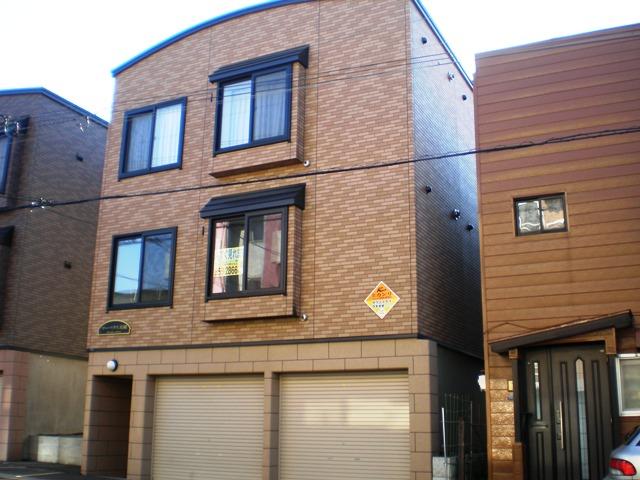 北海道札幌市豊平区、白石駅徒歩11分の築12年 3階建の賃貸アパート