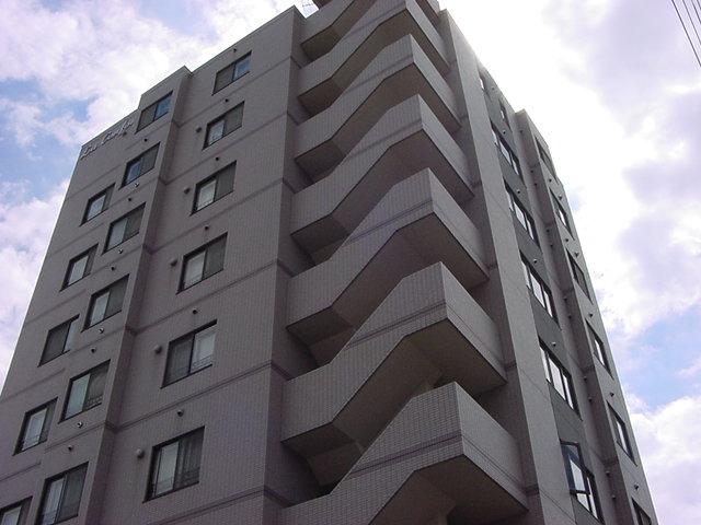 北海道札幌市豊平区、白石駅徒歩13分の築21年 9階建の賃貸マンション