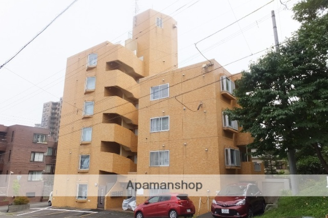 北海道札幌市中央区、ロープウェイ入口駅徒歩5分の築23年 6階建の賃貸マンション