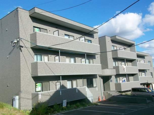 北海道札幌市南区、真駒内駅じょうてつバスバス18分北海道東海大学前下車後徒歩1分の築17年 3階建の賃貸マンション