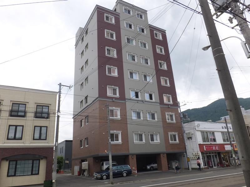 北海道札幌市中央区、中央図書館前駅徒歩5分の築11年 9階建の賃貸マンション