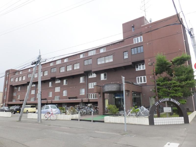 北海道札幌市中央区、石山通駅徒歩7分の築32年 5階建の賃貸マンション
