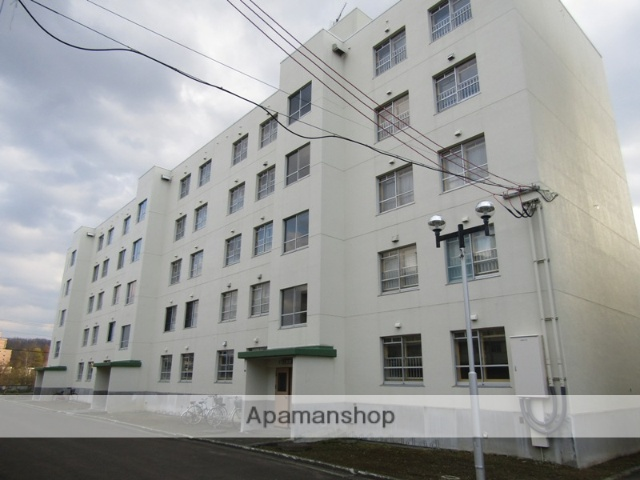北海道札幌市南区、真駒内駅じょうてつバス16バス16分川沿16−2停下車後徒歩1分の築37年 5階建の賃貸マンション