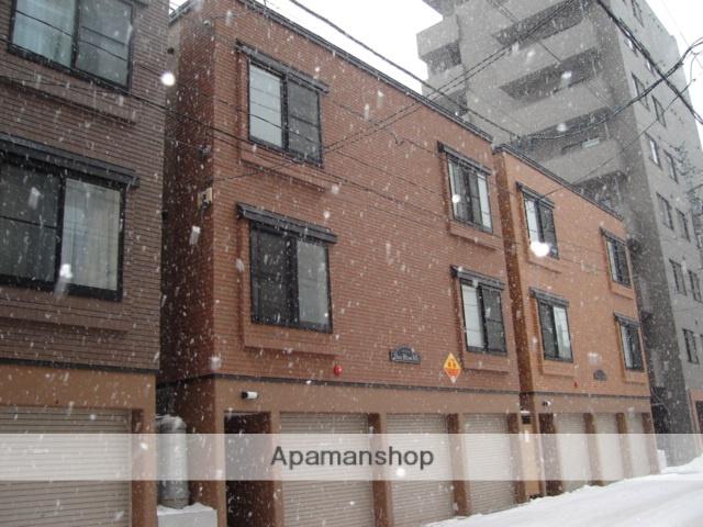 北海道札幌市中央区、桑園駅徒歩14分の築13年 3階建の賃貸アパート