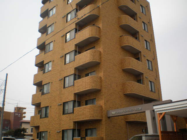 北海道札幌市中央区、ロープウェイ入口駅徒歩8分の築26年 8階建の賃貸マンション
