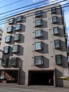 北海道札幌市中央区、西11丁目駅徒歩5分の築38年 8階建の賃貸マンション