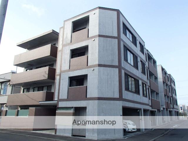 北海道札幌市中央区、琴似駅徒歩17分の築5年 4階建の賃貸マンション