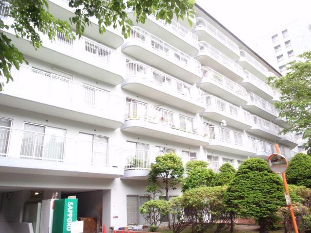 北海道札幌市中央区、すすきの駅徒歩10分の築44年 7階建の賃貸マンション