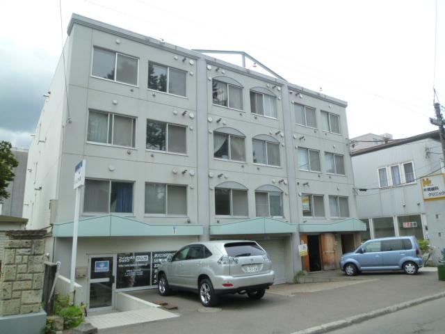 北海道札幌市中央区、ロープウェイ入口駅徒歩7分の築26年 4階建の賃貸マンション