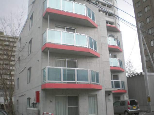 北海道札幌市中央区、西28丁目駅徒歩7分の築12年 4階建の賃貸マンション