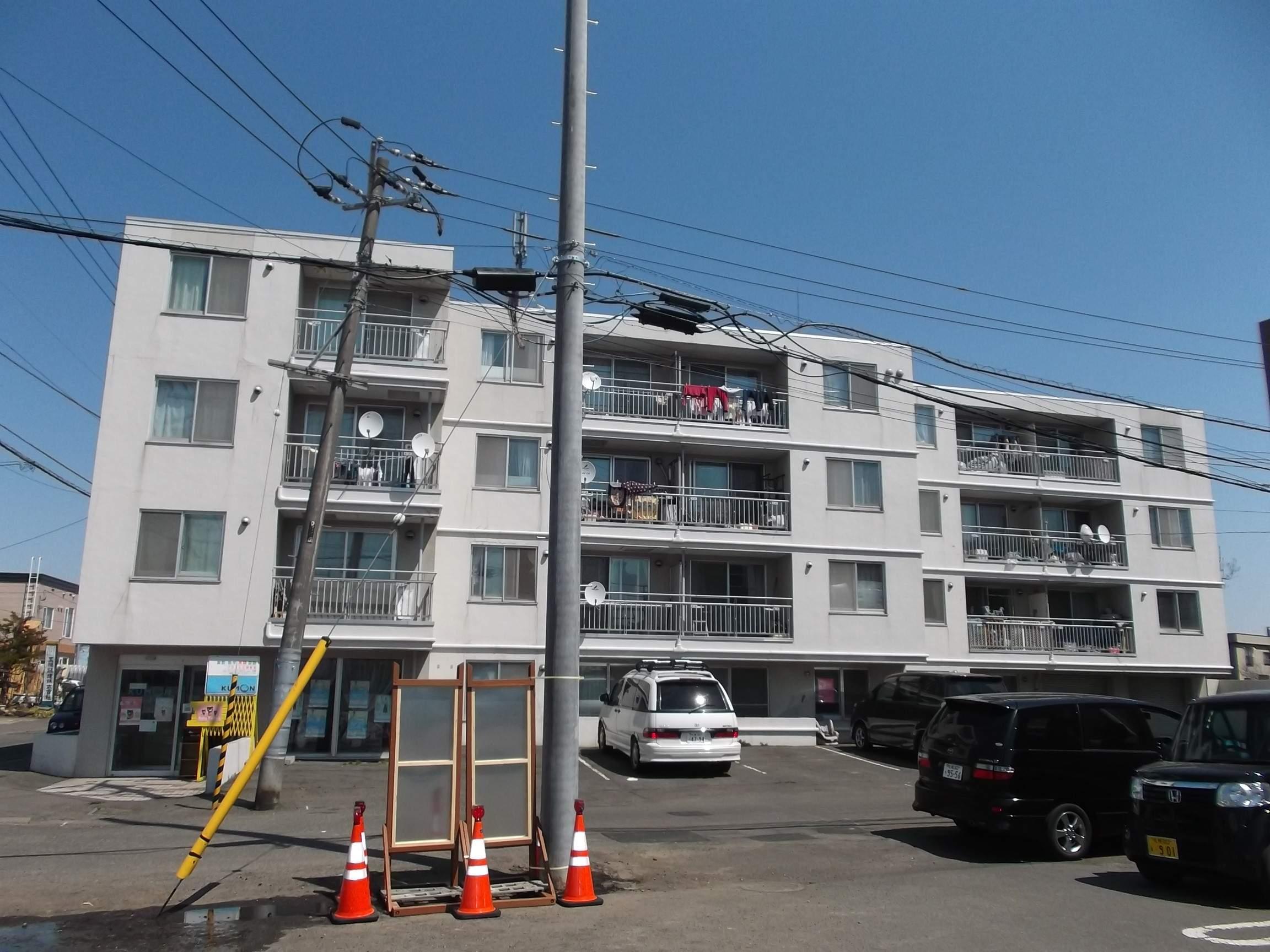 北海道札幌市白石区、白石駅徒歩17分の築26年 4階建の賃貸マンション
