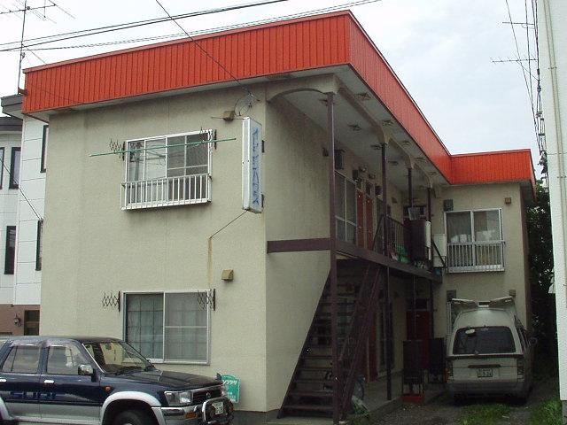 北海道札幌市白石区、平和駅徒歩8分の築34年 2階建の賃貸アパート