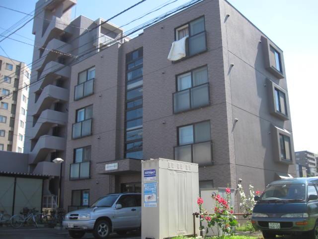 北海道札幌市白石区、苗穂駅徒歩18分の築15年 4階建の賃貸マンション