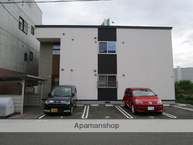 北海道札幌市白石区、苗穂駅徒歩18分の築2年 2階建の賃貸アパート
