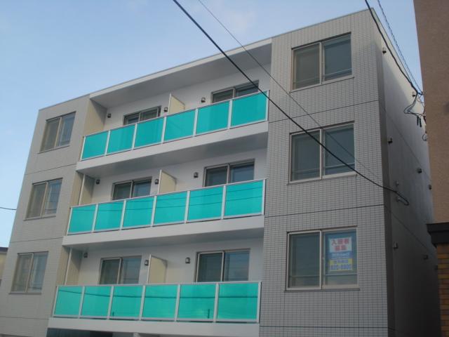 北海道札幌市白石区、白石駅徒歩8分の築5年 4階建の賃貸マンション