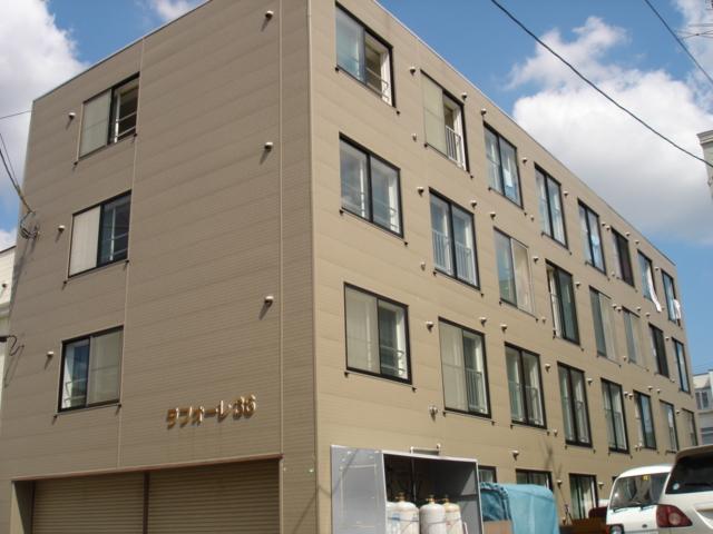 北海道札幌市白石区、南郷13丁目駅徒歩11分の築26年 4階建の賃貸マンション