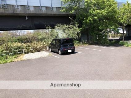 みさきアパートB[2LDK/52.65m2]の駐車場