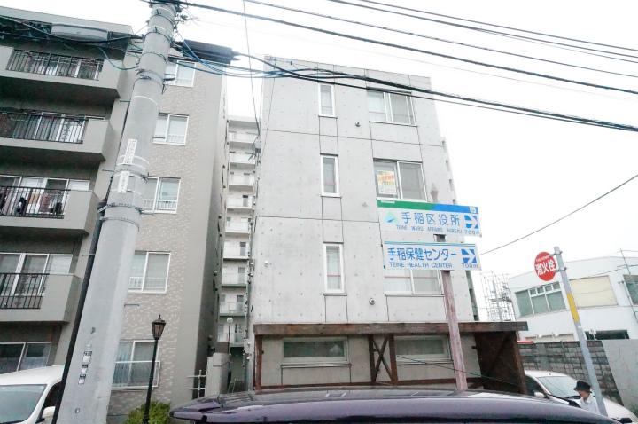 北海道札幌市手稲区、稲穂駅徒歩15分の築3年 4階建の賃貸マンション