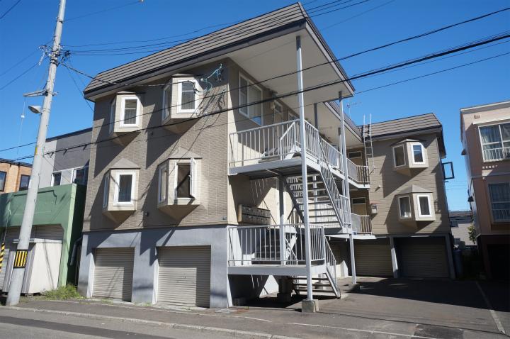 北海道札幌市手稲区、手稲駅徒歩15分の築25年 2階建の賃貸アパート
