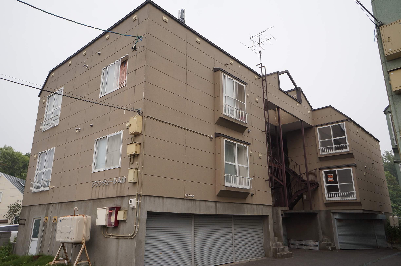 北海道石狩市、手稲駅中央バスバス21分南線小学校下車後徒歩3分の築21年 3階建の賃貸アパート
