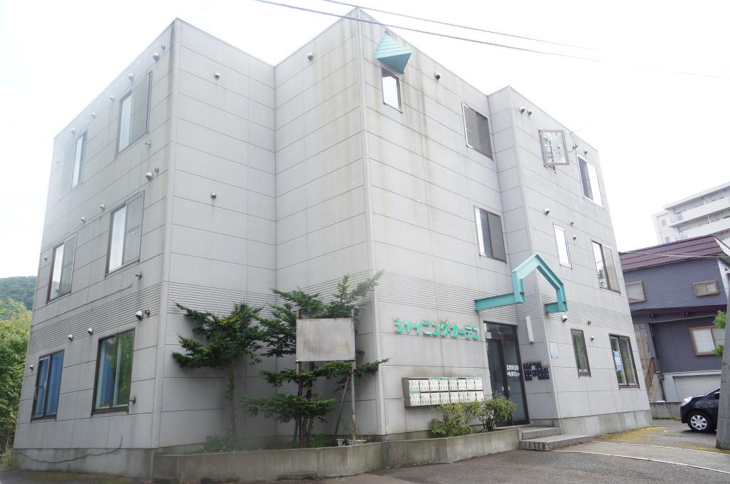 北海道小樽市、銭函駅徒歩9分の築21年 3階建の賃貸マンション