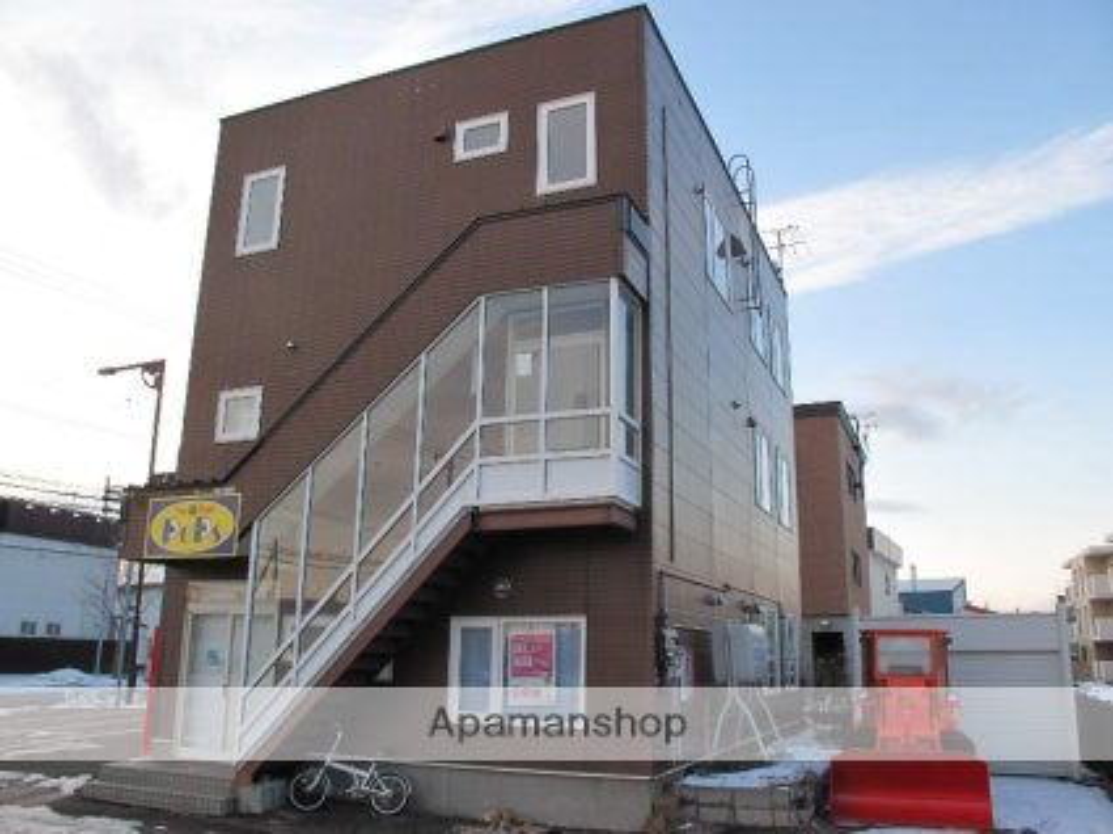 北海道石狩市、手稲駅中央バスバス15分花川6−3下車後徒歩1分の築14年 3階建の賃貸アパート