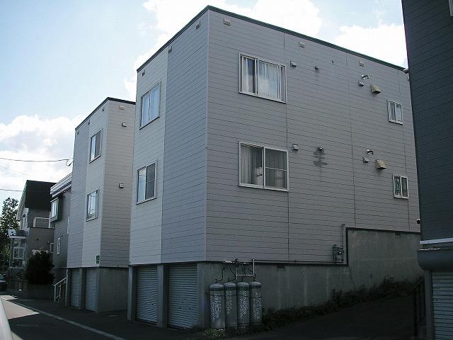 北海道札幌市手稲区、手稲駅徒歩13分の築24年 3階建の賃貸アパート