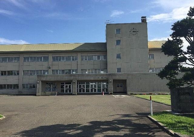 三川小学校 420m