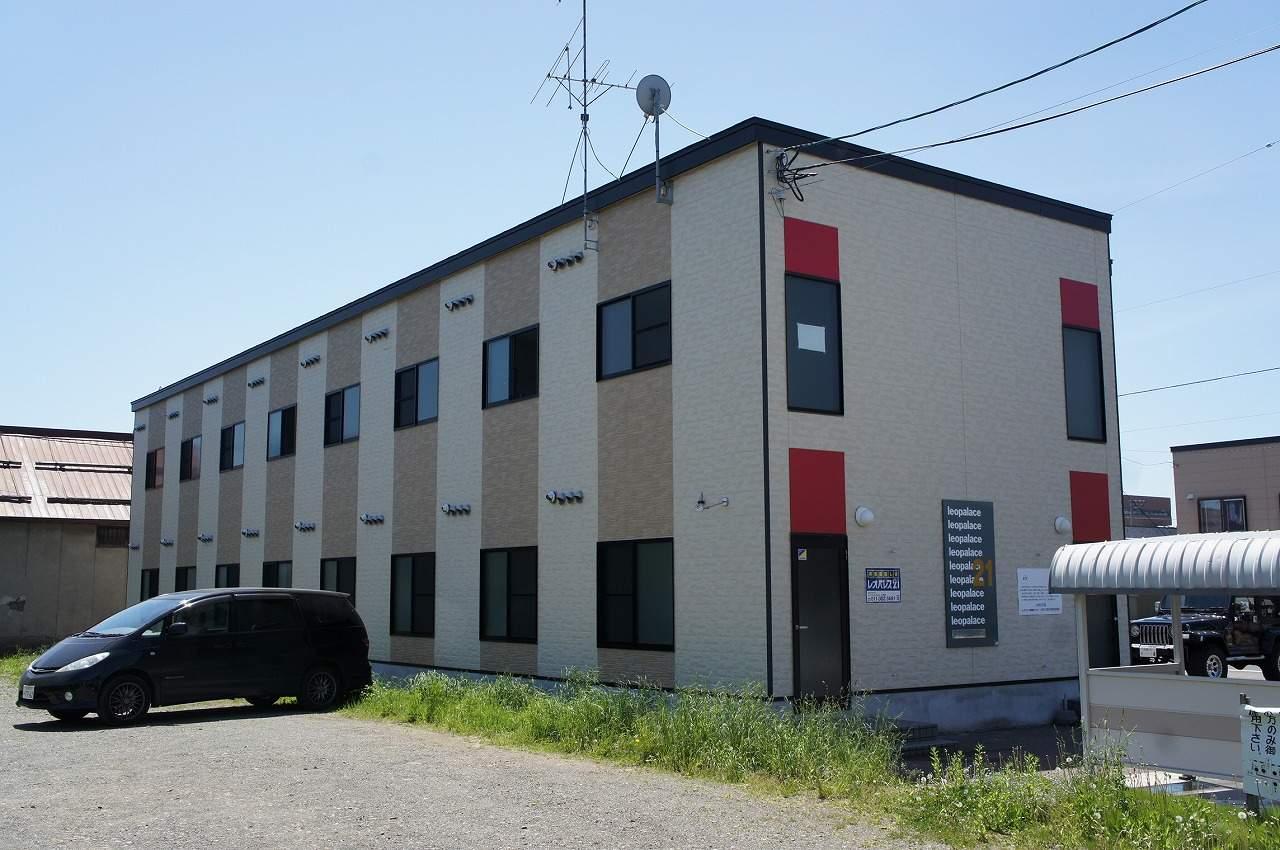 北海道岩見沢市、岩見沢駅徒歩9分の築10年 2階建の賃貸アパート