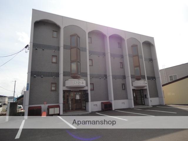 北海道滝川市、滝川駅徒歩12分の築26年 3階建の賃貸マンション