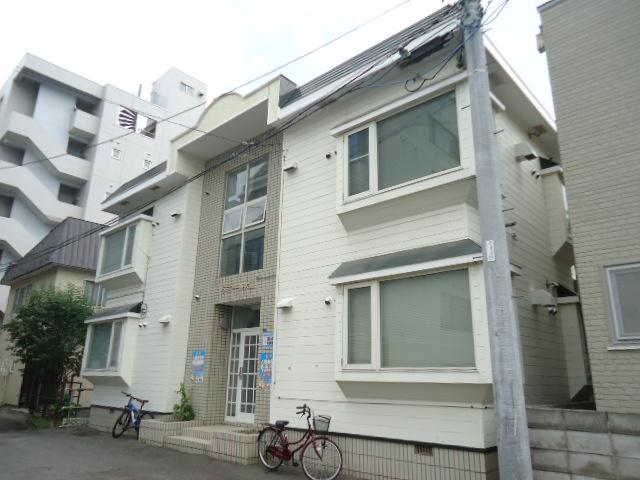 北海道札幌市中央区、円山公園駅徒歩3分の築26年 2階建の賃貸アパート
