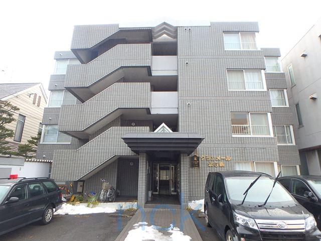 北海道札幌市中央区、桑園駅徒歩13分の築28年 4階建の賃貸マンション